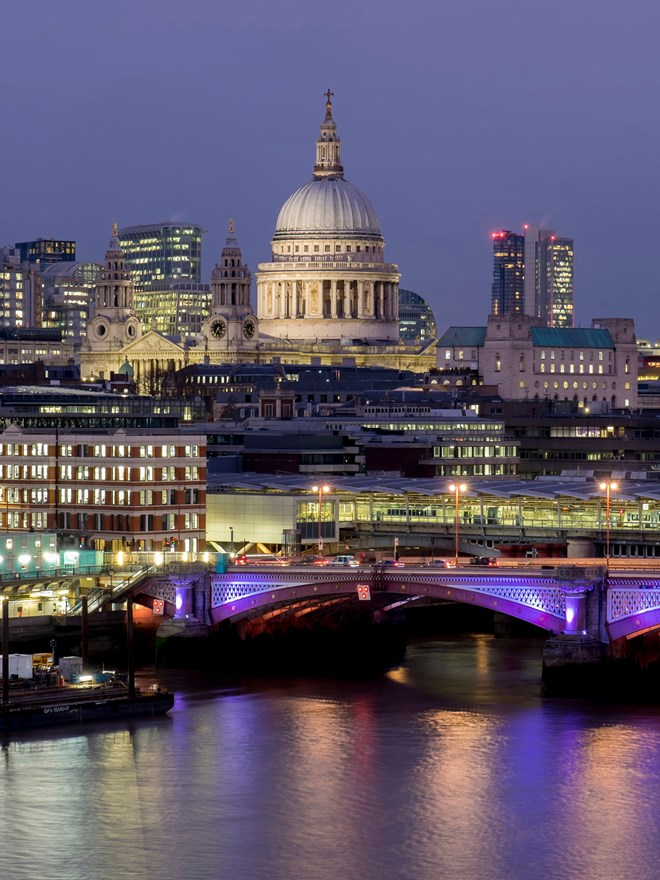 St Paul's Catherdal and River Thames skyline at night